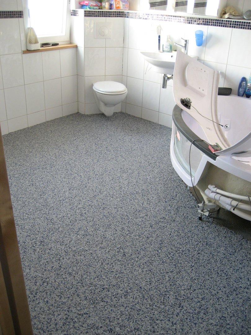 Steinteppich Dusche aus Marmorkiesel Fugenloser Kiesboden Trendfloor